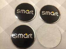 4x 40mm Fit SMART MERCEDES ADESIVI RUOTA CENTRO Badge Centro Trim Cap Hub in Lega