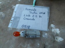 RENAULT TRAFIC FRONT INDICATOR BULB & HOLDER FROM HEAD LIGHT ASSEMBLY 2009