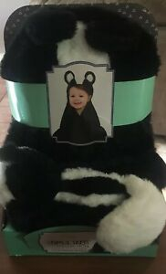 Little Miracles Sweet Snuggles Baby Security Hooded Blanket & Plush Skunk New
