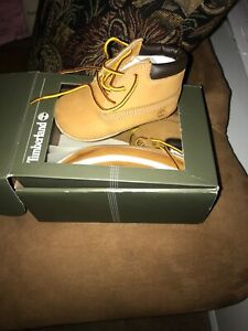 TIMBERLAND Baby Boy Size 3 Wheat Brown Nubuck Leather Classic Crib Bootie Shoes