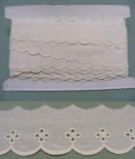 Broderie Anglaise Flat Lace  (17096) - Creamx 10mts
