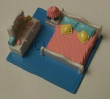 Polly Pocket Sized Bedroom in Excellent Used Condition Galoob 1994
