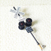 2 x O scale railroad crossing signals 4 heads + 1 circuit board flasher #2BL4