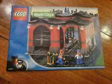 LEGO WORLD CITY 10027 Train Engine Shed (USED BUT COMPLETE) Ships Worldwide.