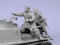 1/35 Resin WWII German Officer & Soldier Panzer Crew Unpainted Unbuild BL535