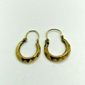 vintage 9 ct gold beautiful pair earring's for women's with a rare design