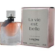 La Vie Est Belle by Lancome L'eau de Parfum Spray 1 oz