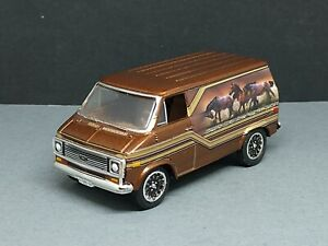 1975 '75 CHEVY 70s CUSTOM STYLE VAN LIMITED EDITION  COLLECTIBLE 1/64 SCALE HTF