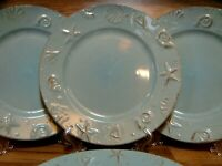 "4 - THOMSON POTTERY - CAPE COD AQUA BLUE EMBOSSED SHELLS 10 1/2"" DINNER PLATES"