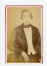 PHOTO CDV c.1860, un homme pose d'après dessin