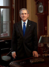 Nice Oil painting PRESIDENT of America  -  George W. Bush in his study