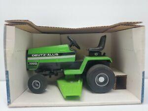 Deutz Allis 1920 Lawn and Garden Tractor Scale Models 1/16