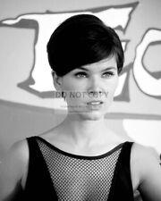 Actress Yvonne Craig - 8X10 Publicity Photo (Cc524)