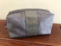 Emirates BVLGARI Toiletry Amenity Kit Travel Case Bulgari Gray wrapped Zipper