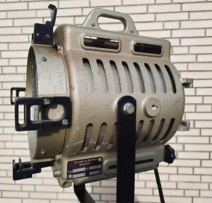ARRI Spot 600/ 1000 Watt Scheinwerfer / Filmleuchte / Theaterscheinwerfer