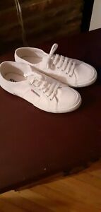 New Superga white canvas running shoes 2750