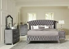 Superbe MAGICAL 4 PC GREY VELVET TUFTED QUEEN PLATFORM BED BEDROOM FURNITURE SET