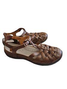 BARETRAPS Florrie Brown Outdoor Sandal 9M Antimicrobial Closed Toe Hook & Loop