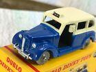 DUBLO Dinky Toys # 067 Austin Taxi VNMinVGB 4GPW blue / cream bodywork