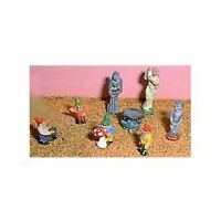 Gnomes, Statues & garden ornaments (OO/HO Scale) - Unpainted - Langley F175