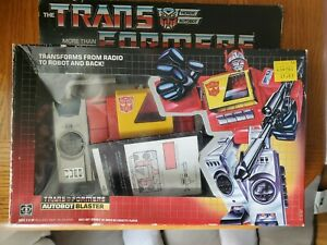 1985 G1 AUTOBOT BLASTER TRANSFORMER  WITH BOX AND INSTRUCTION MANUAL, ...