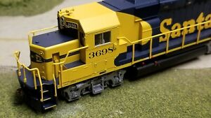 Atlas Trainman Santa Fe GP39-2 Warbonnet HO Scale, new in box.