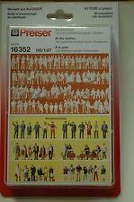 Preiser 16352 ENSEMBLE DE FIGURINES AU Gare 120 NON PEINTES / ACCESSOIRE HO NEUF