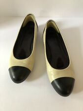 JIL SANDER Ivory & Black Leather Ballet Flats Size 38.5  EU 8.5 US Made in Italy