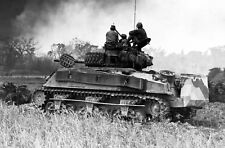 WWII photo Three tankmen watching the situation in Okinawa war 16o