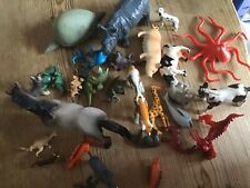 Bundle of plastic assorted animals and mixed sizes