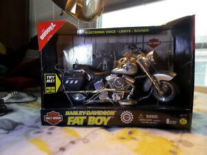 1999 Buddy L Silver Harley Davidson Fatboy Electronic Toy Motorcycle IOB