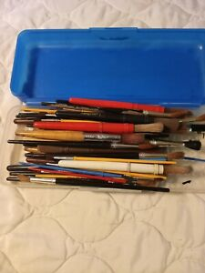 Artists 70 PC Lot of PAINT BRUSHES, Assorted