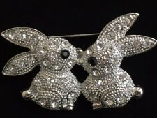 RHINESTONE VALENTINE EASTER LOVE KISS KISSING BUNNY RABBIT PIN BROOCH JEWELRY 2""