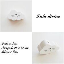 Perle en bois de 28 x 17 mm, Perle plate Nuage sourire : Blanc / Gris