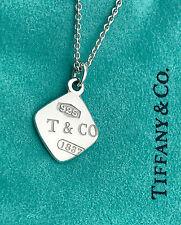 Tiffany & Co Plata de Ley 1837 Cuadrado Charm Colgante Collar