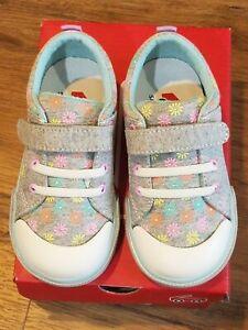 "New See Kai Run ""Kristin"" Daisies grey jersey rubber toe sneaker shoes, 6,NIB"
