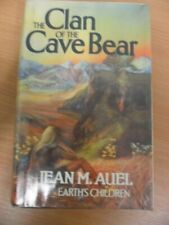 The Clan of the Cave Bear (Earth's Children),Jean M. Auel- 9780340259672