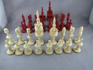 """Carved turned bovine bone white red full chess set King 4.5"""" felt lined"""