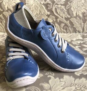 BORN Blue Leather Slip On Sneakers Women  Sz 7/ 38 M