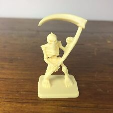 Heroquest White Skeleton Replacement Figure Part