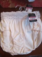 1 OLGA HIPSTER BRIEF PANTIES STYLE 913 WITHOUT A STITCH SIZE 5 - IVORY