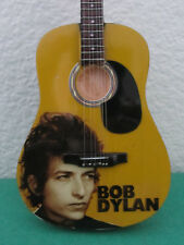 "guitare miniature  ""BOB DYLAN"" avec support"