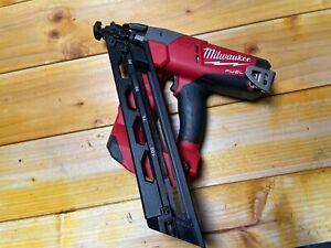 Milwaukee M18CN15GA Fuel Cordless Nailer