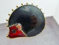 CUTE ENAMEL GOLD PLATE BLACK RED VINTAGE STYLE HEDGEHOG BROOCH PIN