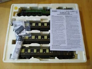 'Queen of Scots' Train Pack R2365M Hornby 2569 'Gladiateur'