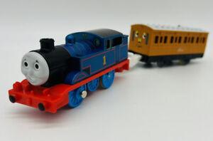 2005 TOMY Trackmaster Thomas & Friends Steam Along Train Annie Runs Needs Work