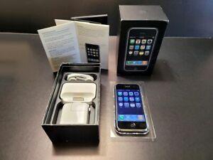 Apple iPhone 1st Generation - 8GB - Black (Unlocked) w/ Maching BOX / IOS 1.0
