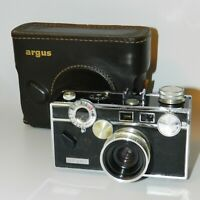 Argus C3 Rangefinder Camera 50mm F3.5  50 mm lens with Case Made in USA