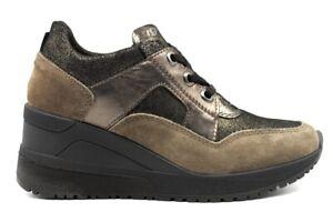 Scarpe da donna IGIeCO sneakers casual comode con zeppa vera pelle made in Italy
