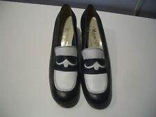 Vintage Miramonte Navy & White Leather Combination Ladies Pumps Sz 8 N Italy
